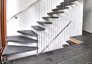 escalier-ardoise-marche-angle-1